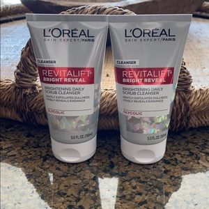 L'Oréal Paris Revitalift Daily Cleanser Bundle NWT
